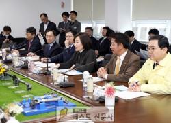 박영선 중소벤처기업부장관, 진주 중앙상권 방문 및 청년몰 격려,   ,   박영선 중소벤처…